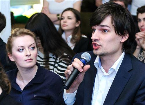 Ольга Новоселова (Дневник.ру) и Андрей Сиденко (Учитель года России) - члены жюри конкурса