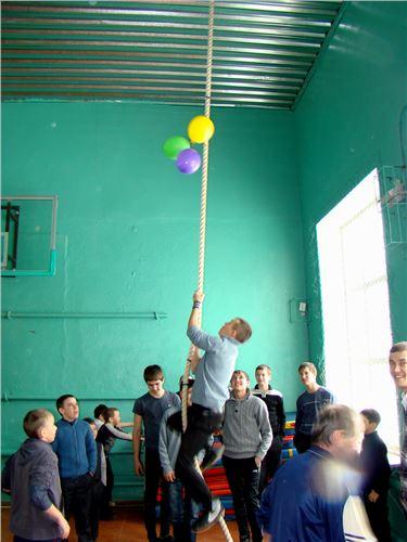 Общешкольный праздник: «Веселая масленица».
