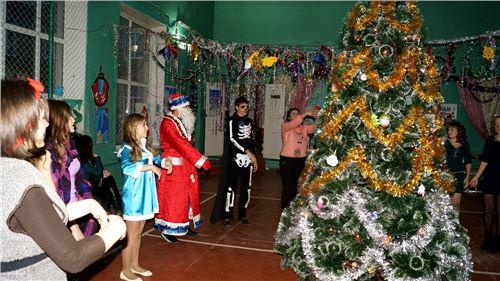 Новогоднее представление для старшеклассников.